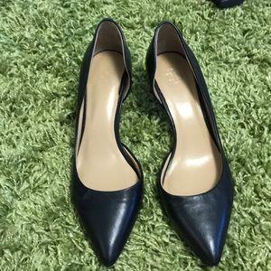 Ann Taylor black leather pumps- guc size 7